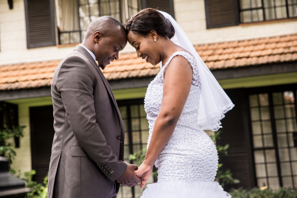 Kenyan-Professional-Wedding-Photographers_kissthe-bride-Photographer_Kenyan-Top-Destination-Photographer_Love_Romantic_Wedding